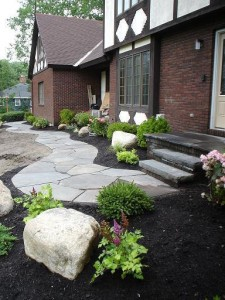 Irregular bluestone flagging with Heldeberg Bluestone steps